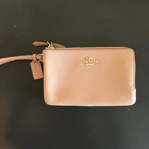 NWT! Coach double zip wallet in light pink
